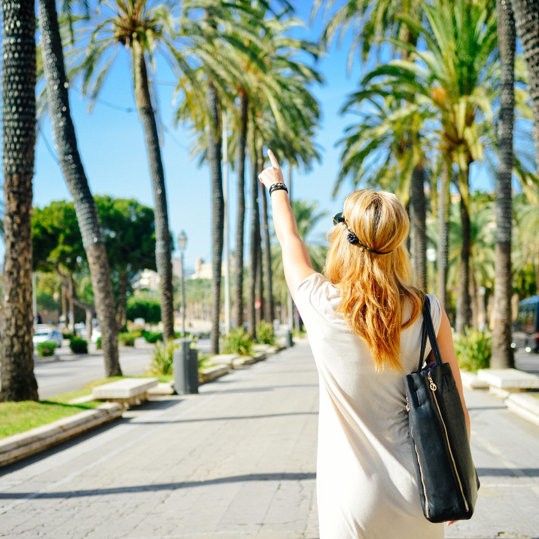 How To Save Money When Booking A Holiday